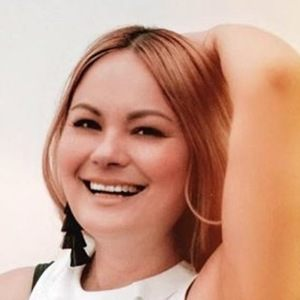 Vanessa Lambert 6 of 6