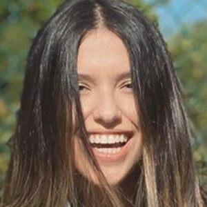 Vanessa Oliveira De Sousa 6 of 10