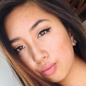 Vanessa Qin 3 of 4