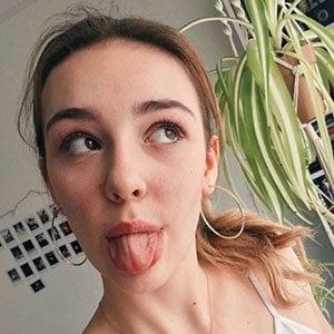 Vanessa Tiiu 5 of 6