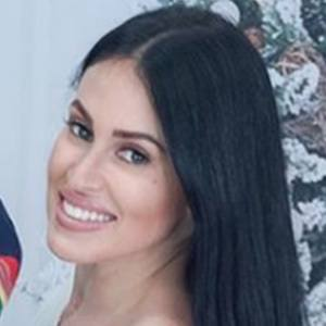 Vanessa Suarez 3 of 5