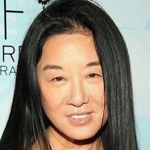Vera Wang 4 of 10