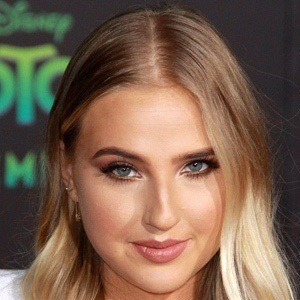 Veronica Dunne 8 of 10