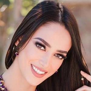 Vianey Vázquez 3 of 5