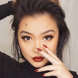 Vicki Li 3 of 6