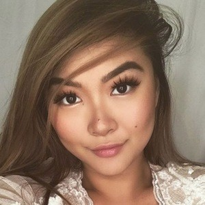 Vicki Li 5 of 6
