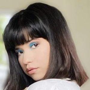 Vicky Triminio 7 of 10