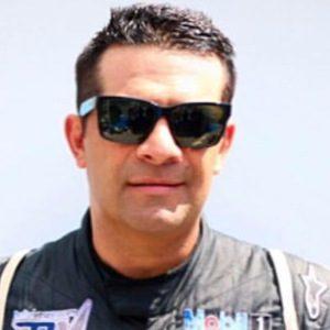Víctor González Jr. 4 of 6
