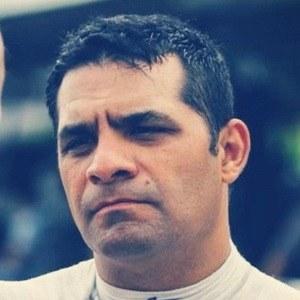 Víctor González Jr. 5 of 6