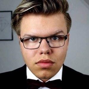 Victor Höglund 4 of 6