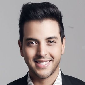 Víctor Muñoz 2 of 7