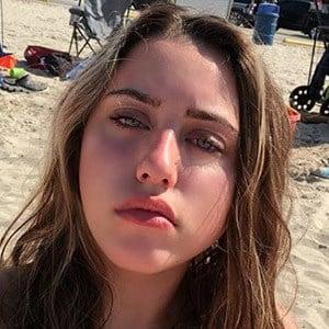 Victoria Azevedo 2 of 4