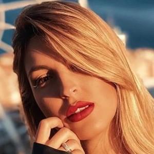 Victoria Dalloz 3 of 6