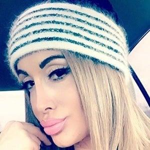 Victoria Lomba 7 of 10