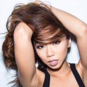 Victoria Nguyen 4 of 10