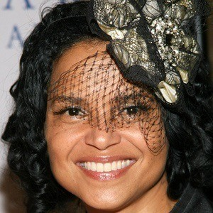 Victoria Rowell 3 of 5