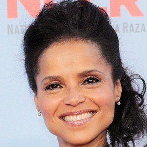 Victoria Rowell 4 of 5