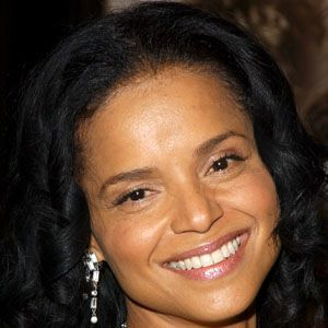 Victoria Rowell 5 of 5