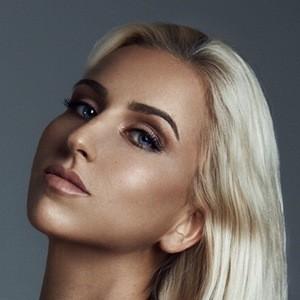 Viktorija Strelciunaite 7 of 10