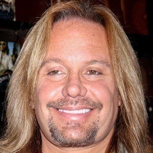 Vince Neil 3 of 9