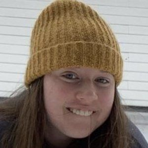 Vivian Shea Headshot 6 of 10