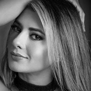 Viviana Castrillon 5 of 6