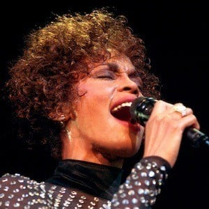 Whitney Houston 8 of 10