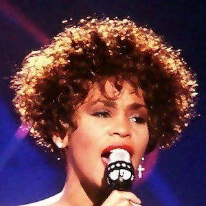 Whitney Houston 10 of 10