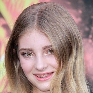Willow Shields 8 of 10