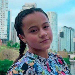 Ximena González Headshot 3 of 4