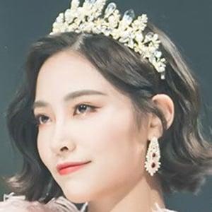 Xu Jiaqi 3 of 4