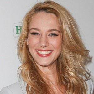 Yael Grobglas 3 of 5