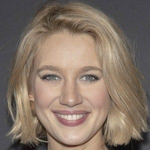Yael Grobglas 6 of 8