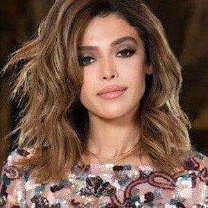 Yalda Golsharifi 2 of 4