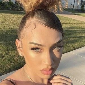 Yasmeen Nicole 7 of 10