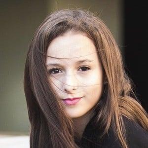 Yasmin Galvão 4 of 5