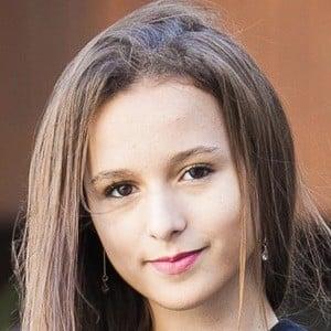 Yasmin Galvão 5 of 5
