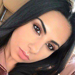 Yasmin Kavari 5 of 10