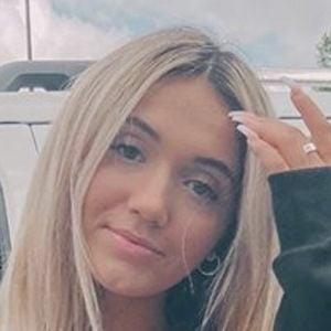 Yasmine Bateman 4 of 7