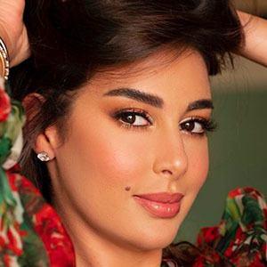 Yasmine Sabri 2 of 5