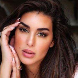 Yasmine Sabri 6 of 10