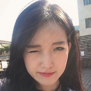 Yeji Kim 5 of 5