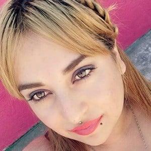 Yesenia Valenzuela 2 of 5