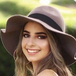Yiseni Perez 4 of 7