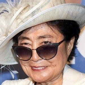 Yoko Ono 6 of 8