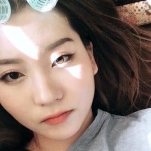 Yoora Jung 4 of 4