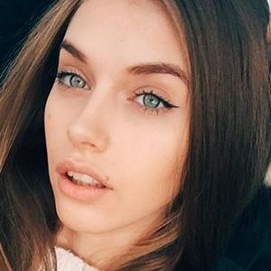 Yulia Rose 3 of 6