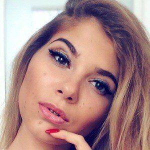 Yulianna Yussef 2 of 7