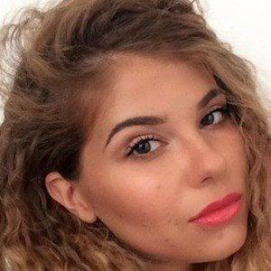 Yulianna Yussef 3 of 7