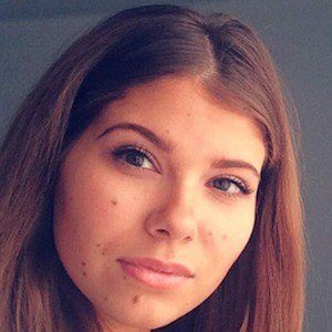 Yulianna Yussef 6 of 7